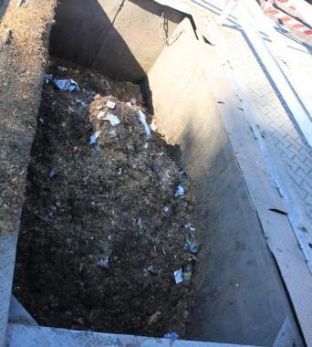 Der Kehricht-Container wird zweimal am Tag abgeholt