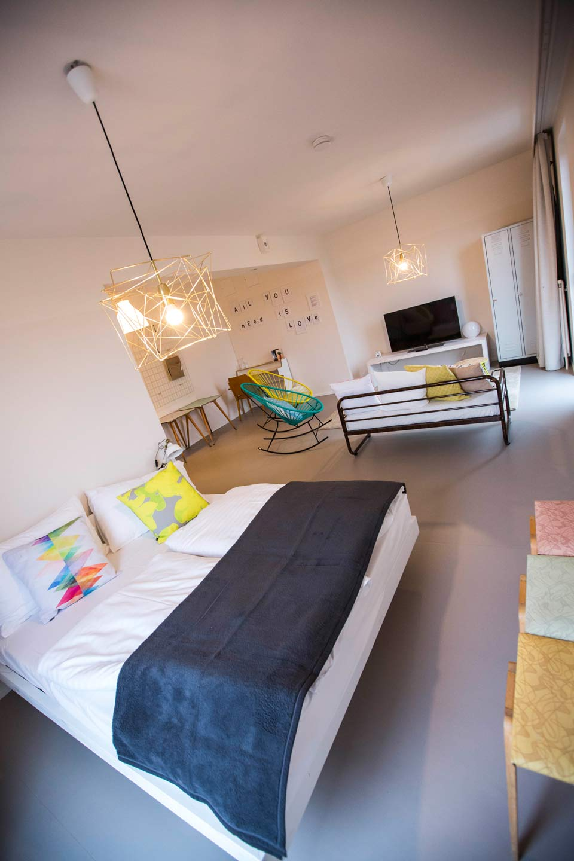 upcycling meets fl chtlingsintegration perspektiven statt abschottung magazin f r restkultur. Black Bedroom Furniture Sets. Home Design Ideas